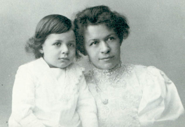 Marić with her older son Hans Albert.