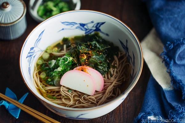 Toshikoshi-soba sopa de tallarines