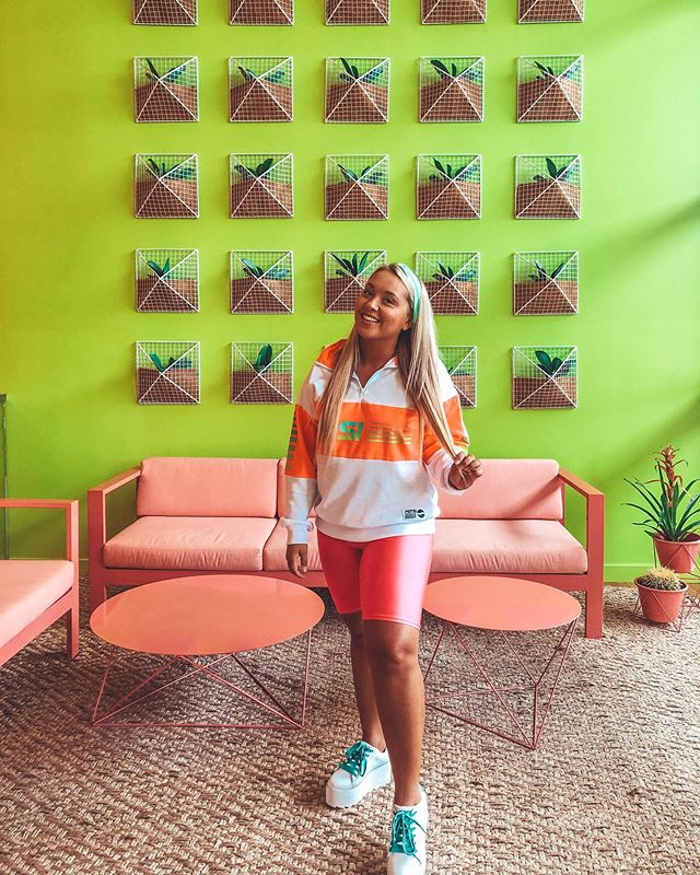 I'll be remodeling my apartment to look exactly like the lobby of @saguarohotels Scottsdale because this decor is screaming my name! #getsomecolor #saguaroscottsdale