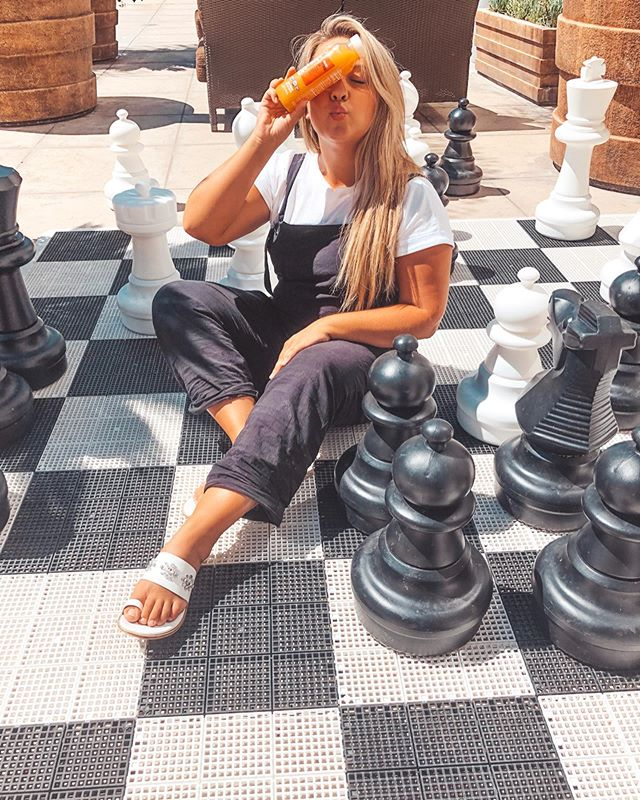 #ad Checkmate! Staying on my game with @evolutionfresh Defense Up Cold-Pressed Juice - it gives me the a boost I need! I stock up on all my favorite flavors @krogerco @ralphsgrocery. #KrogerEvolutionFresh #EvolutionFresh