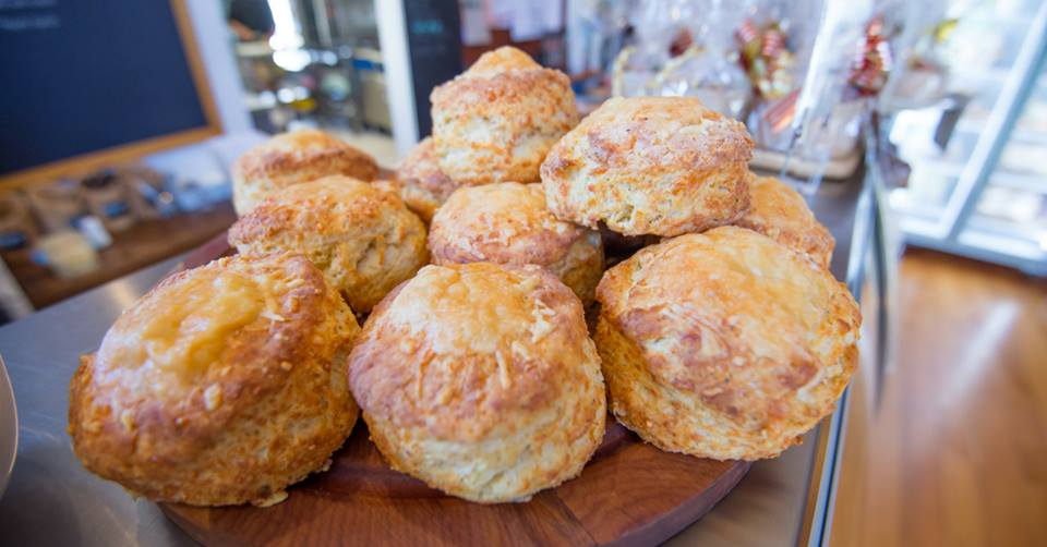 chalk-n-cheese-cheese-scones.jpg