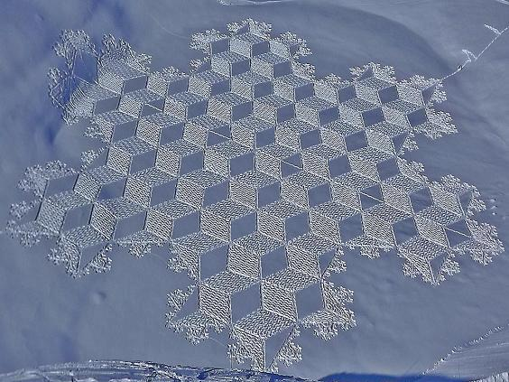 "These ""snow crop circles"" are just great to look at. Couldn't have been easy to build…or was it just aliens??? Image Courtesy: TheAperidoical.com."