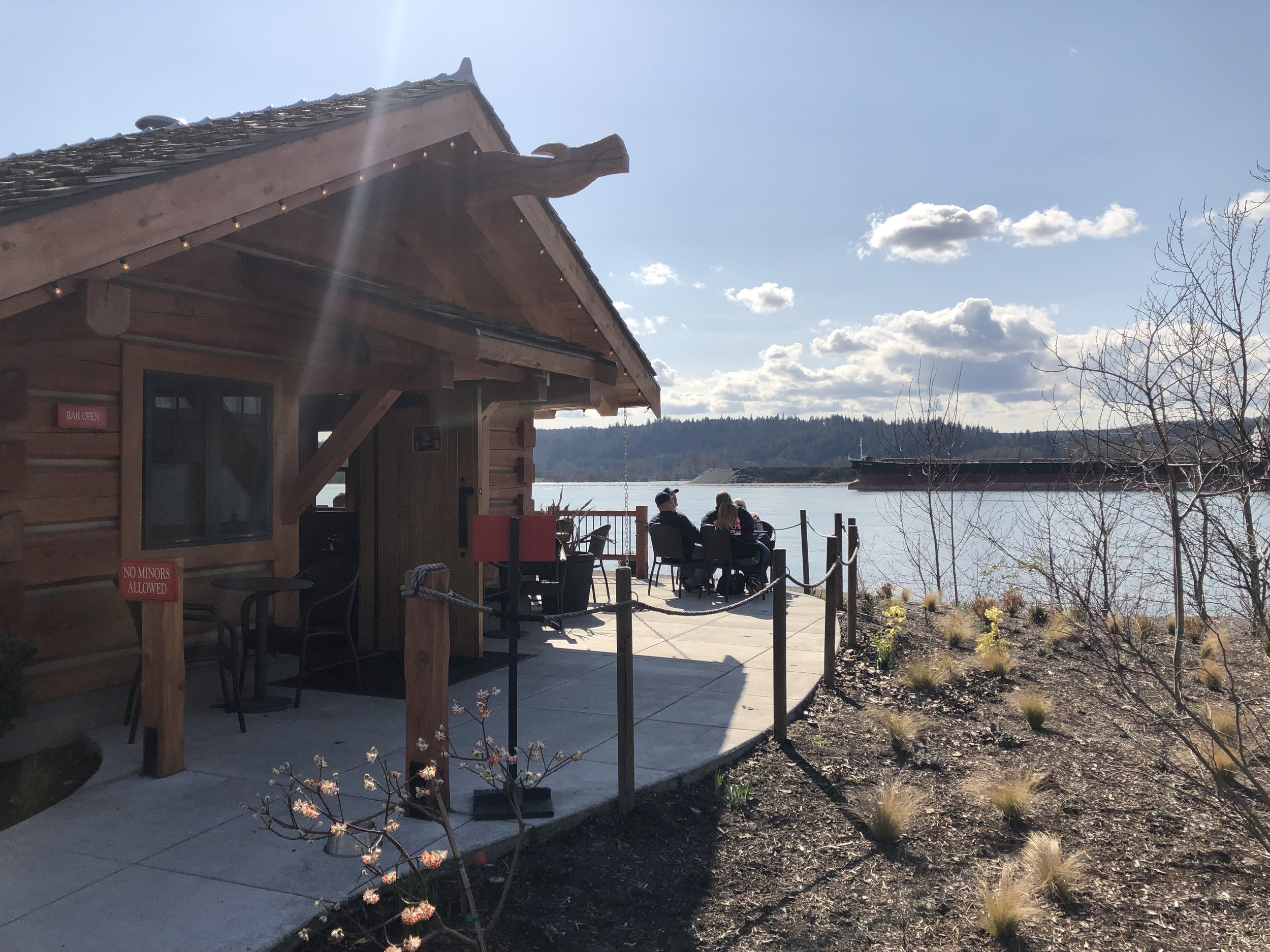 Ahle's Point Cabin at McMenamin's Kalama Harbor Lodge…such a cool spot. Image Courtesy: Dan Meyers
