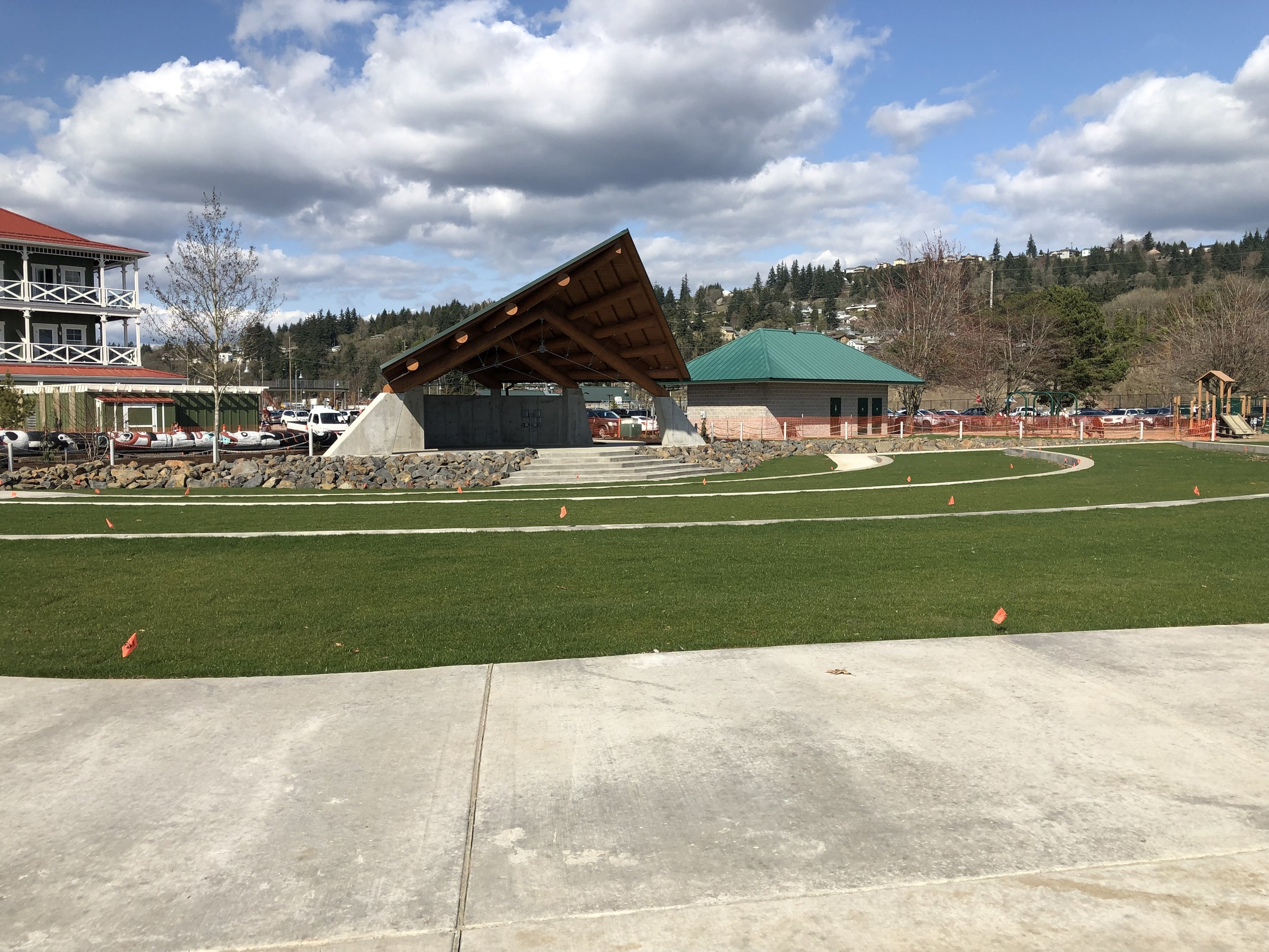 The new amphitheater next to the main hotel at McMenamin's Kalama Harbor Lodge. You can also see the playground at the right and the start of the main hotel at the left. Great spot. Image Courtesy: Dan Meyers