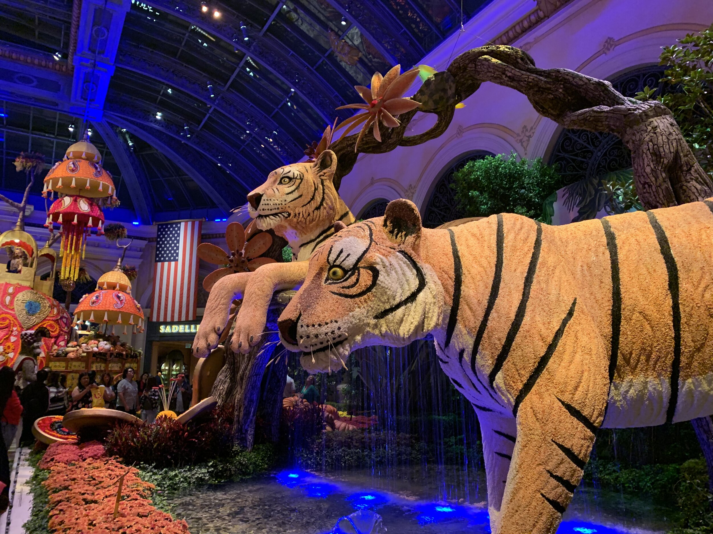 """This """"Indian-themed"""" display inside the Venetian was also a stunner. Incorporating Fall colors, this exotic twist on Fall was really something. Image Courtesy: Dan Meyers"""