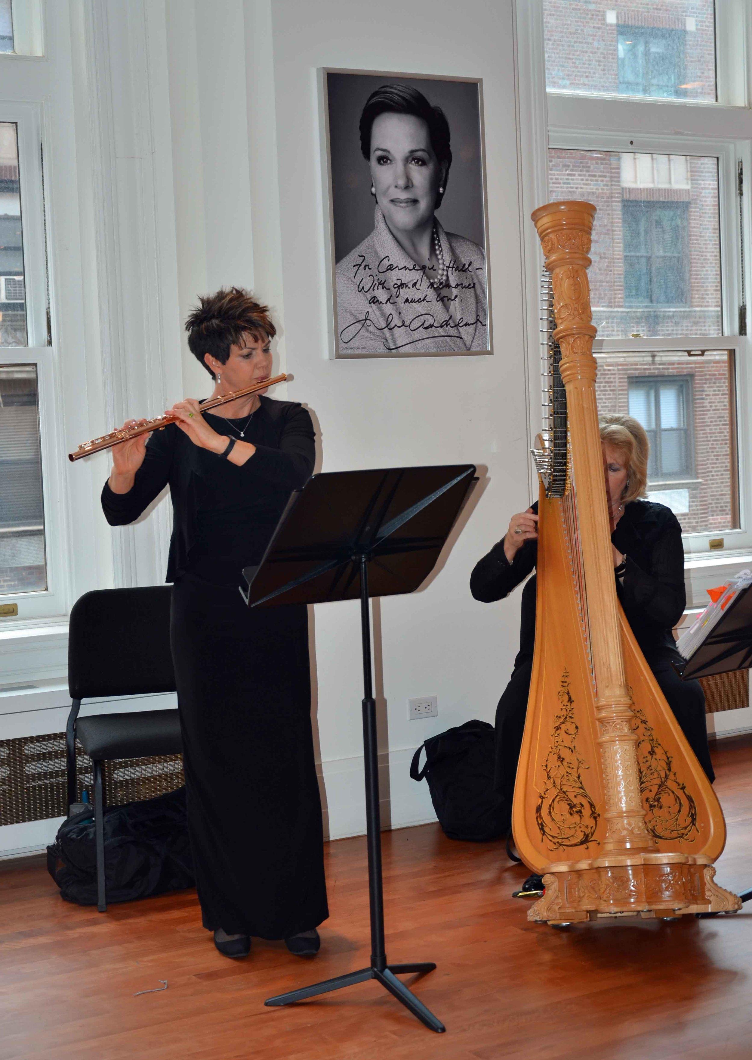 Jeannine Goeckeritz – Tamara Oswald - Mormon Tabernacle Choir – Carnegie Hall – Backstage.jpg