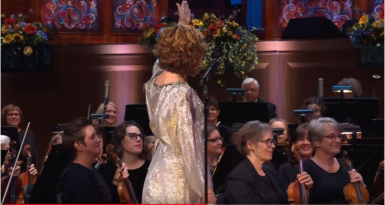 Sissel Concert - Jeannine Goeckeritz - Flute - Solo Introduction.JPG