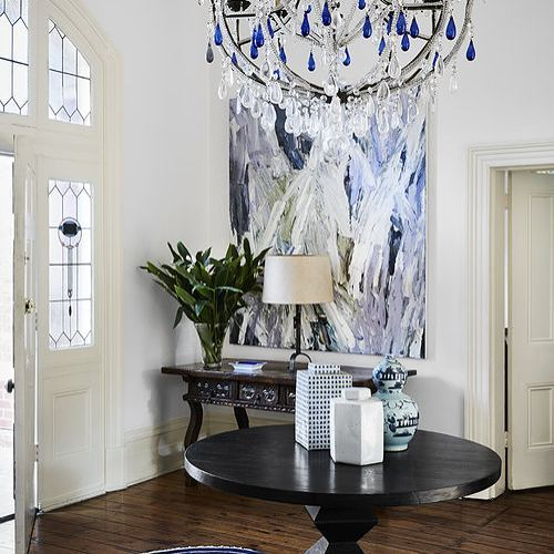 Loving this grand entryway designed by @tamsinjohnson. I adore the large scale abstract art and how the colors coordinate with the chandelier, which is stunning btw. Such a great space!  #interiordesign #interiordesigninspiration #interiordesigninspo #interiorinspiration #interiorinspo #design #designinspiration #designinspo #entrywaydesign #entrywayinspiration #entrywayinspo #foyer #abstractart