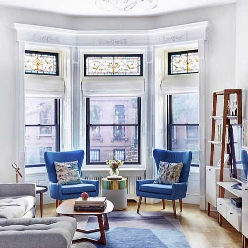 This living room designed by @jmorrisdesigner is fantastic! I love the contemporary furnishings paired with the traditional architecture of the space. And the stained glass bay windows are fabulous!  #interiordesign #interiordesigninspiration #interiordesigninspo #interiorinspiration #interiorinspo #design #designinspiration #designinspo #livingroomdesign #livingroominspiration #livingroominspo #stainedglasswindows