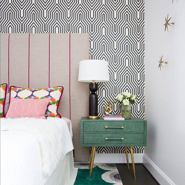 This bedroom designed by @laurauinteriordesign is incredible! So many wonderful colors and patterns. I love the wallpaper and the the rug. The night stand is awesome too. Such a great space!  #interiordesign #interiordesigninspiration #interiordesigninspo #interiorinspiration #interiorinspo #design #designinspiration #designinspo #bedroomdesign #bedroominspiration #bedroominspo