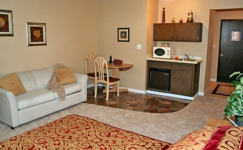 Senior living room amenities