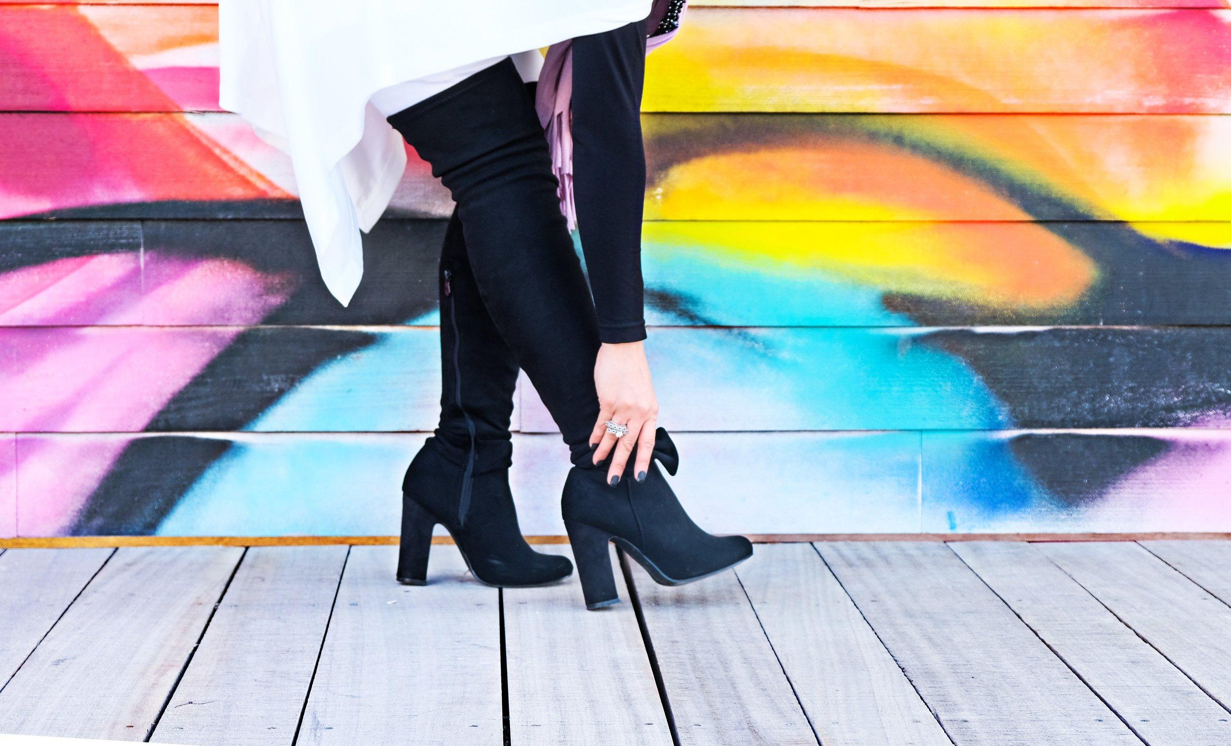 boots-fashion-fashionable-1123985.jpg