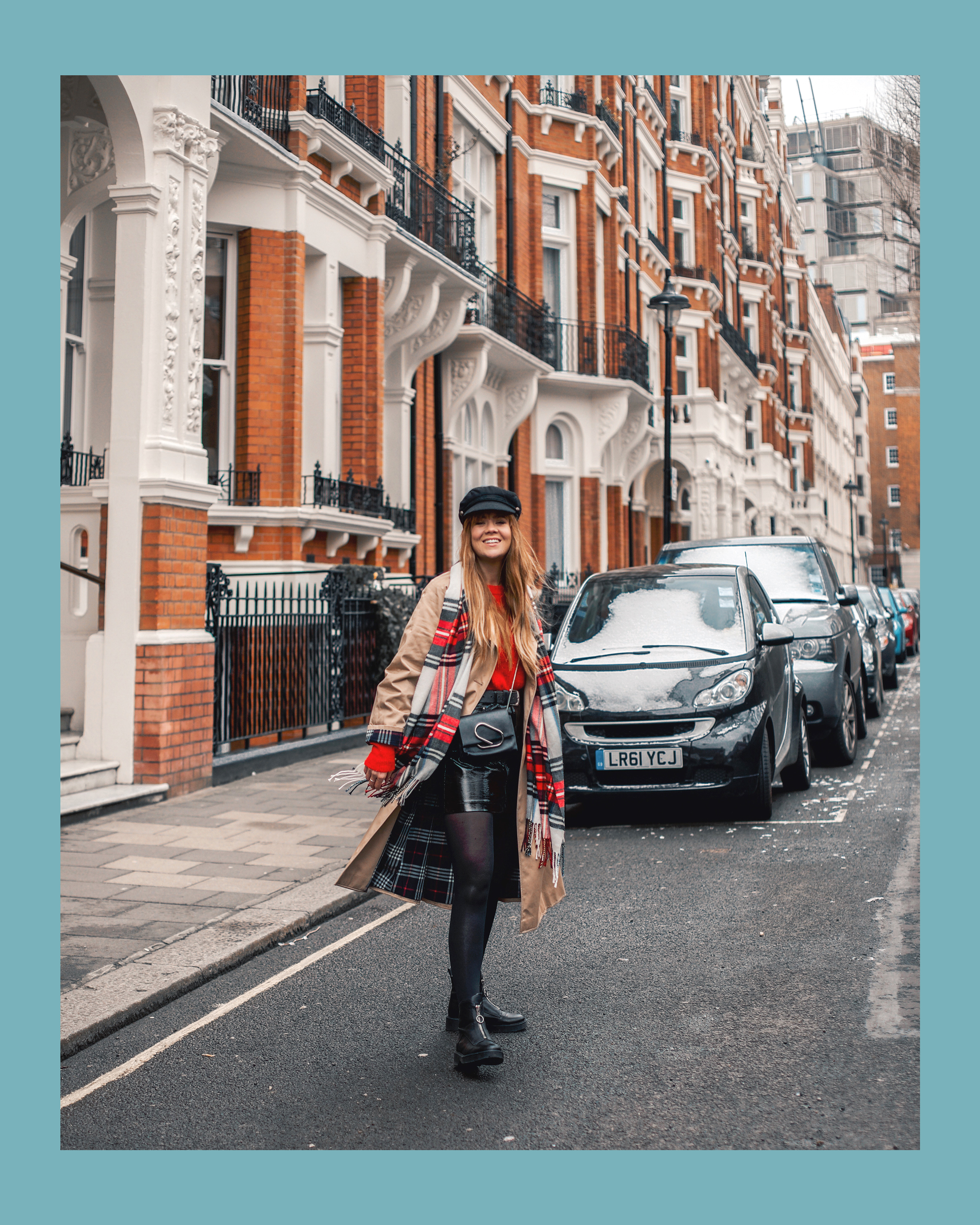 london-street-style-trench-coat-red-plaid_3.jpg