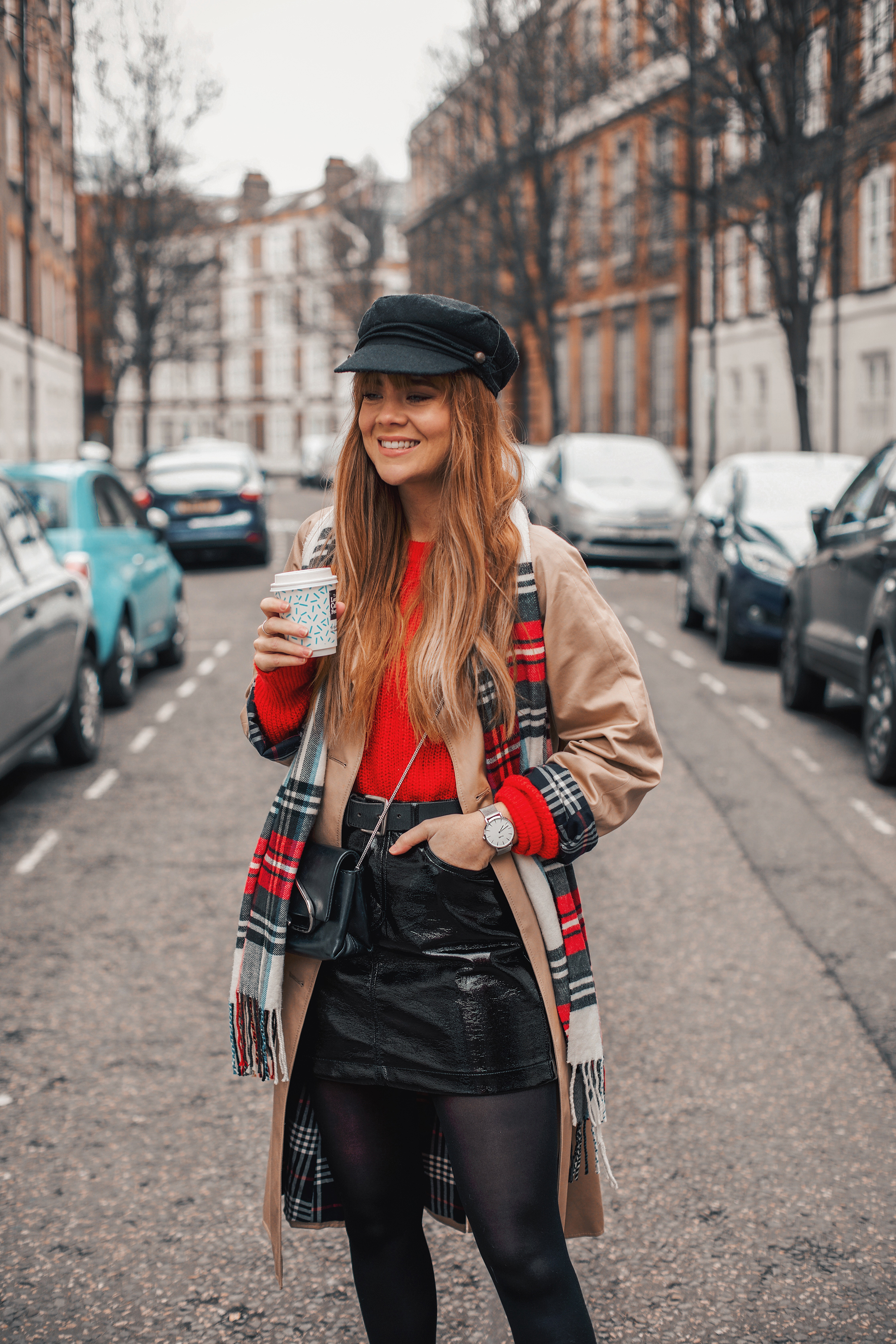 london-street-style-trench-coat-red-plaid_6.jpg