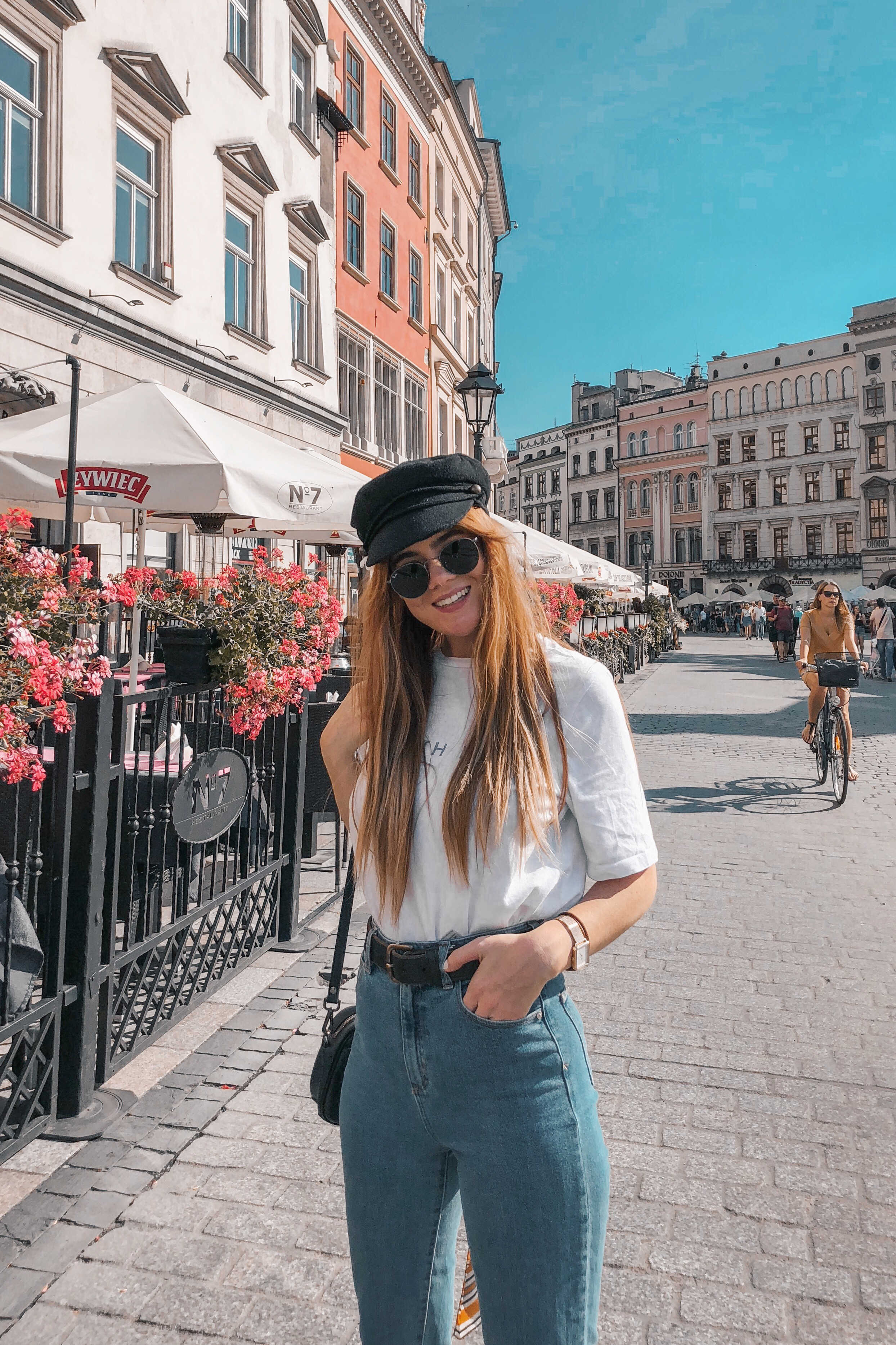 lion-in-the-wild_3-europe-instagram-outfits-cluse_8.jpg
