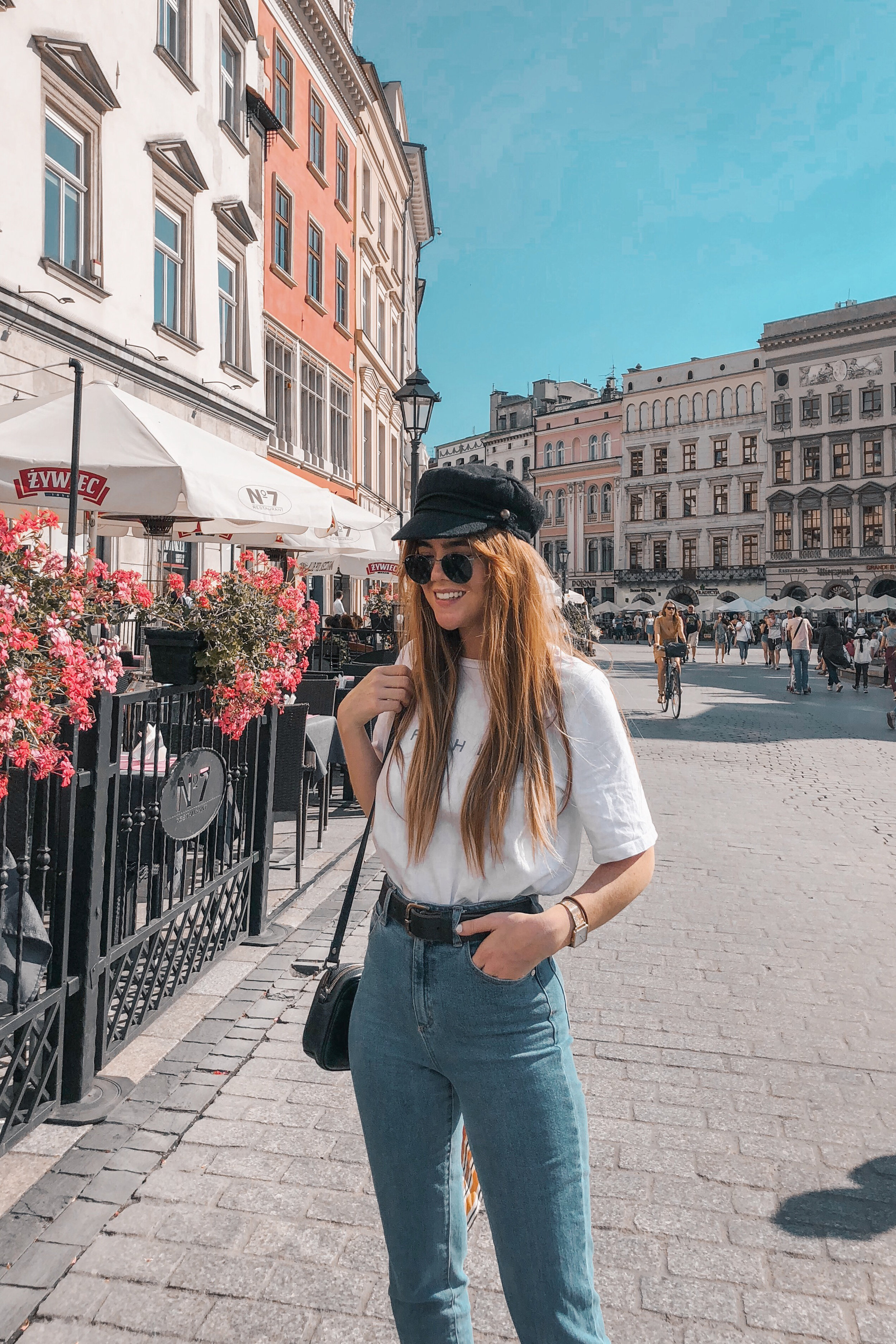 lion-in-the-wild_3-europe-instagram-outfits-cluse_9.jpg
