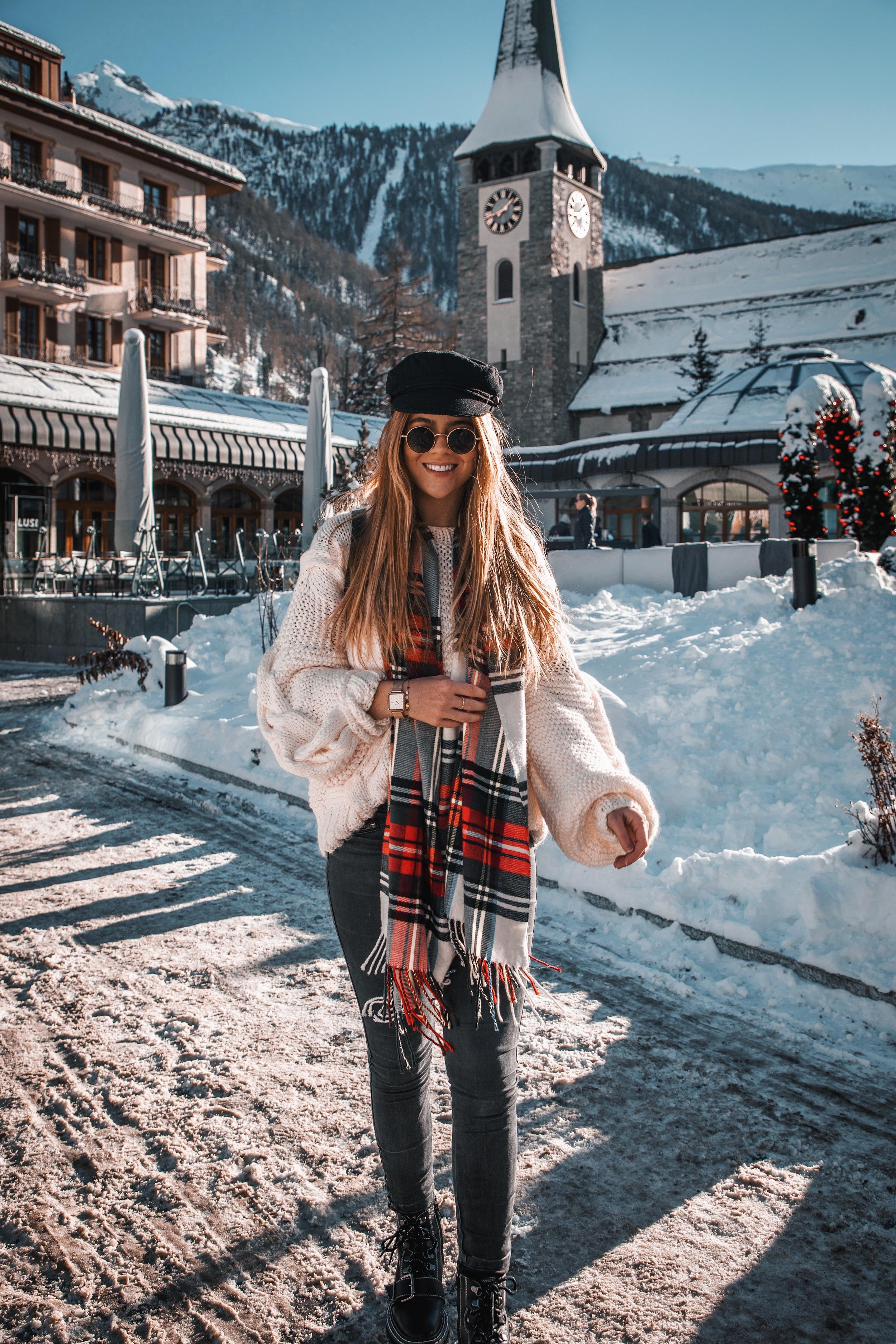 lion-in-the-wild_cluse-christmas-zermatt_9.jpg