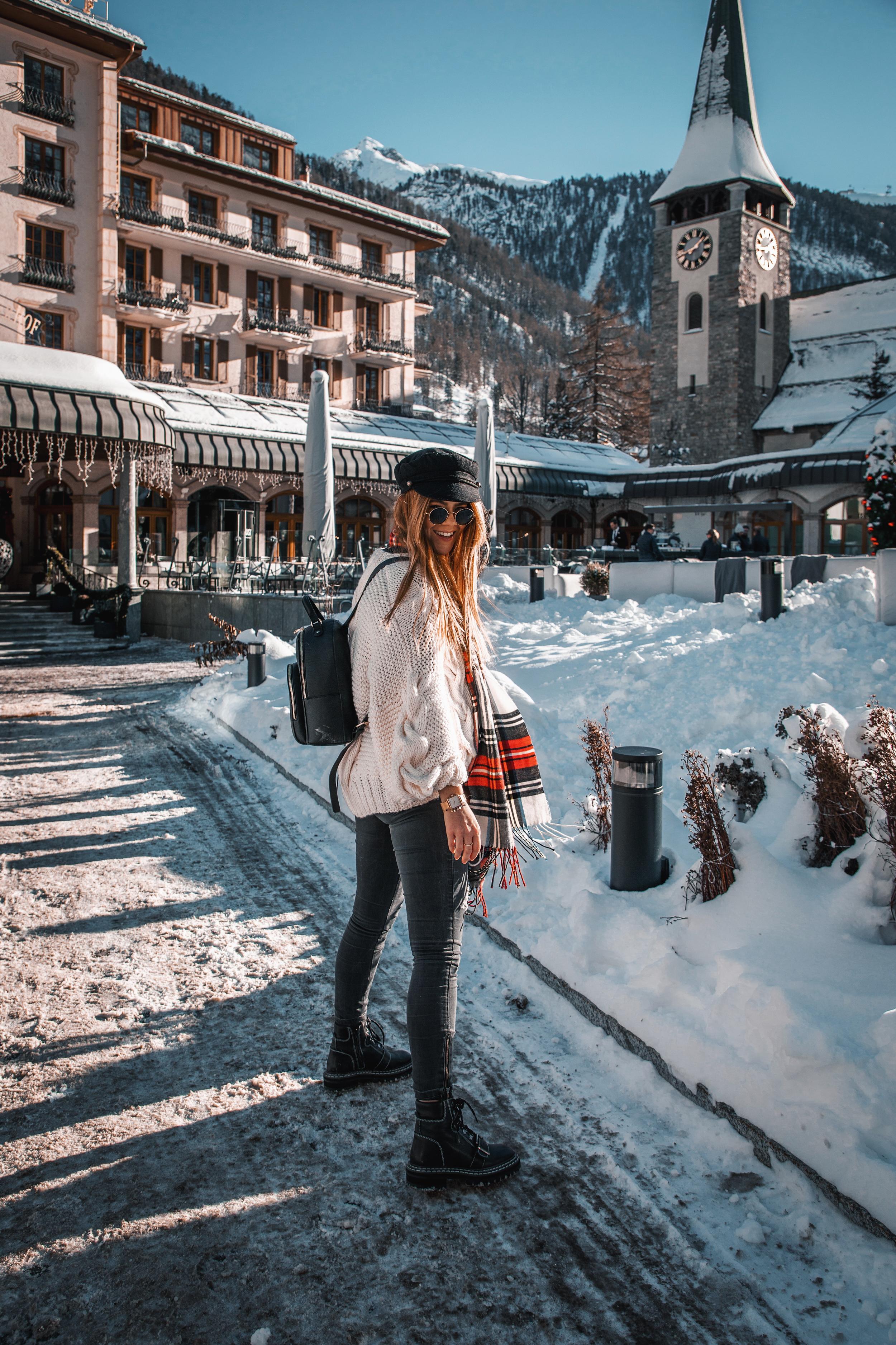 lion-in-the-wild_cluse-christmas-zermatt_3.jpg