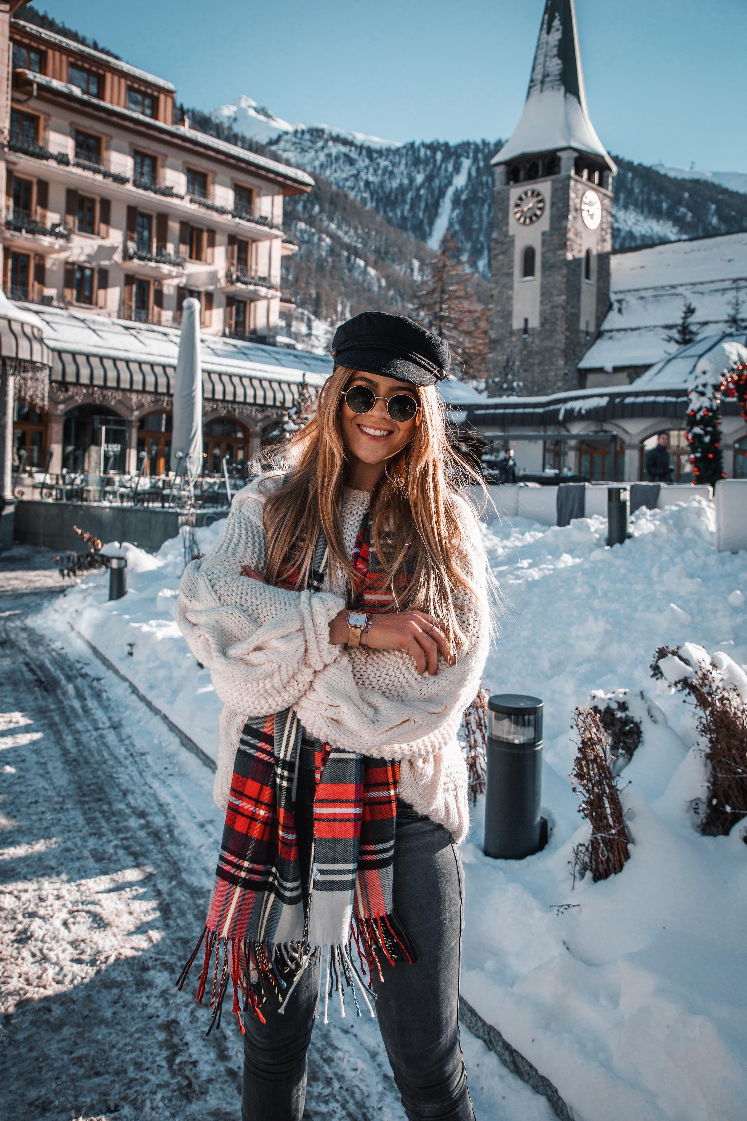lion-in-the-wild_cluse-christmas-zermatt_7.jpg