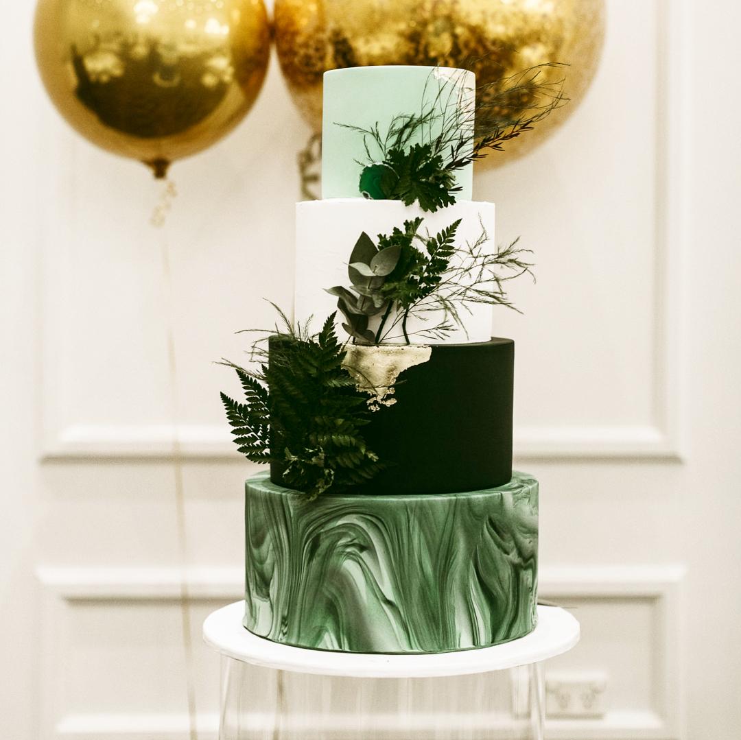 Anthony & Esra Cake: @bittersweet_cakes