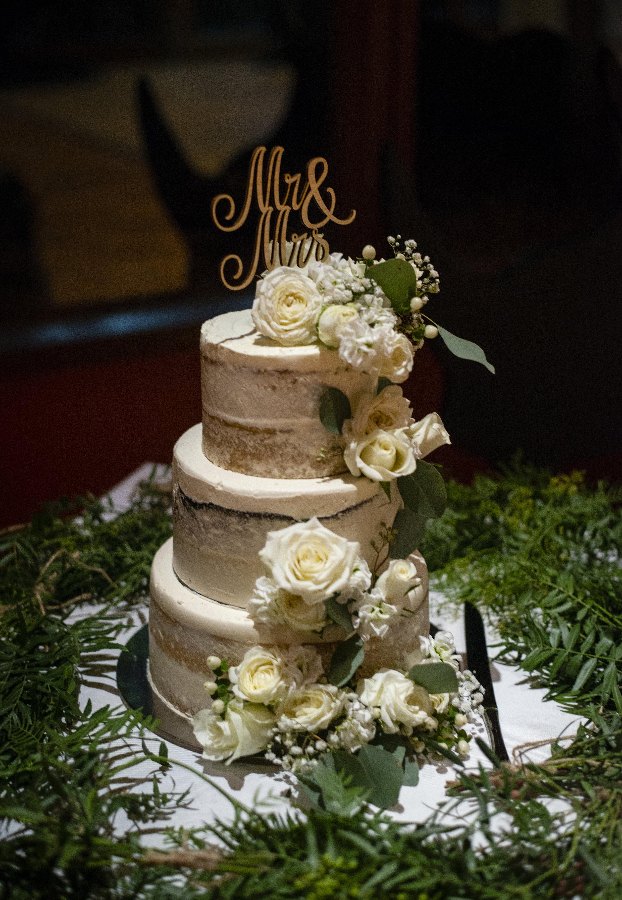 Sarah & Nick Cake: @mister_nice_guys_bakeshop