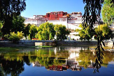 May2017-Lhasa-to-Kailash-The-Potala-Palace_opt.jpg