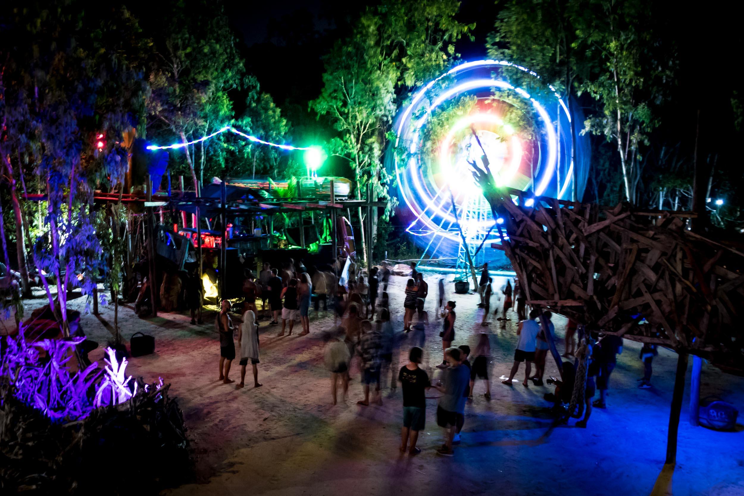 Kerfuffle - Ferris Wheel - Jungle Party