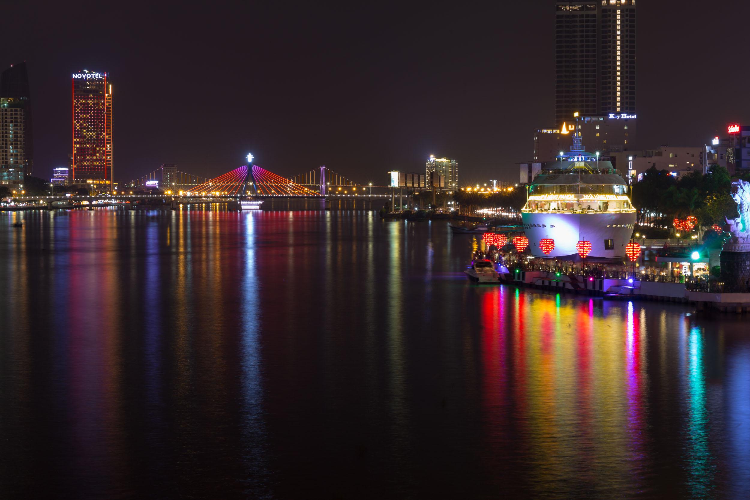 Han River, Da Nang at night.