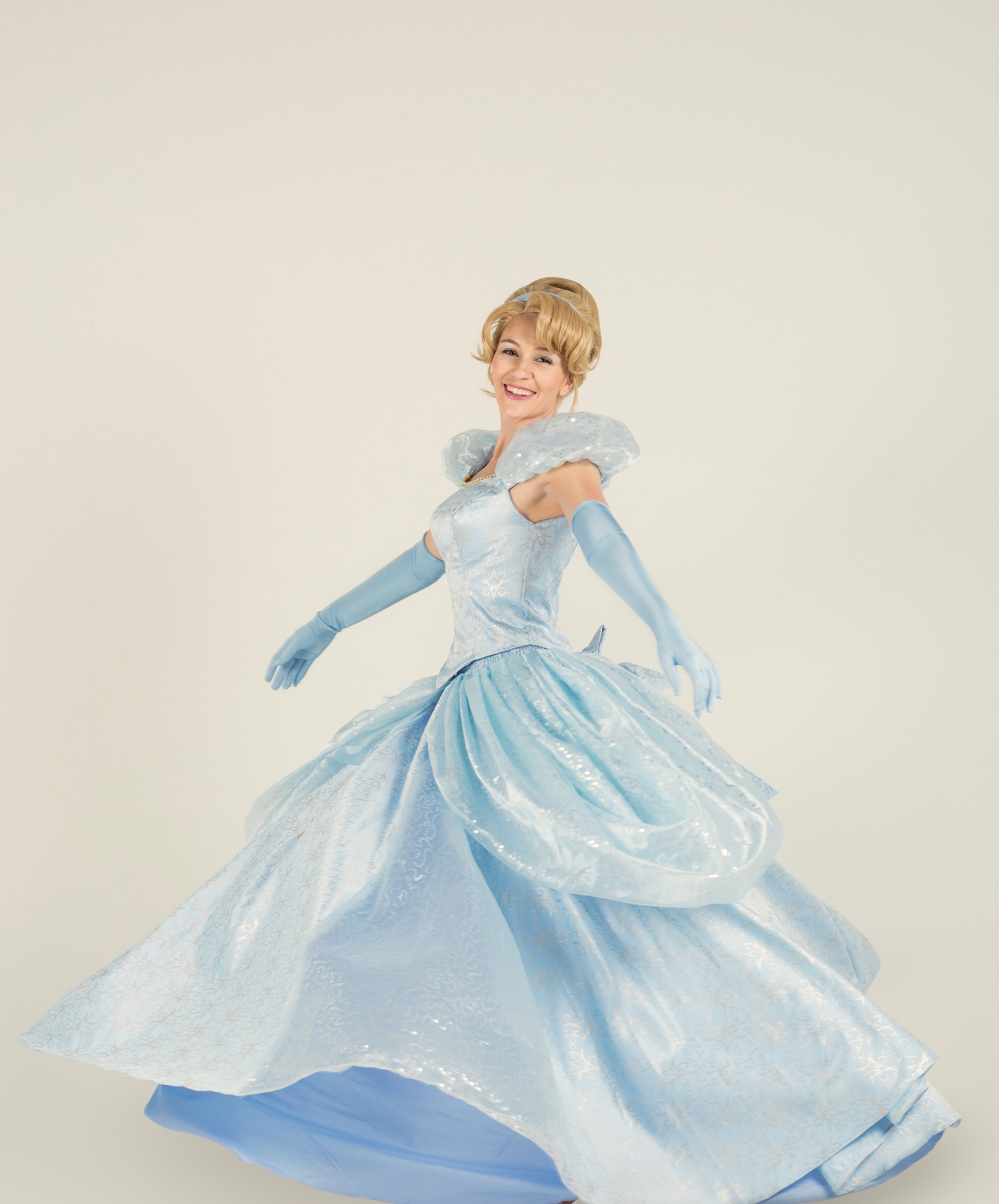 Cinderella    Cinderella will prepare your little princess for her own royal ball! She will sing, dance and make dreams come true.