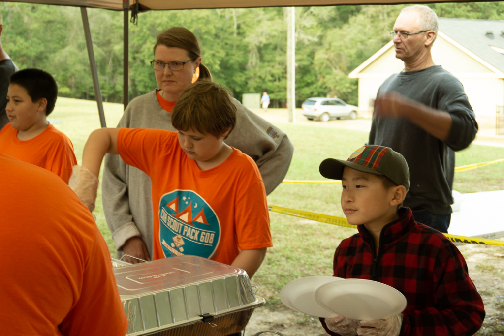 Webelos serving lunch
