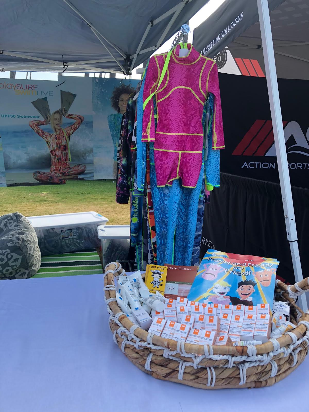 Tutublue provided participants of the event with sun safety and melanoma awareness materials provided by The American Melanoma Foundation as well as sunscreen generously provided by La Roche-Posay.