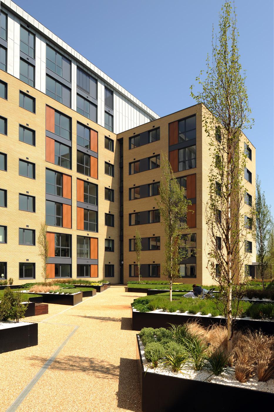 ESA Architects_The Icon, Basildon_2010_03.jpg