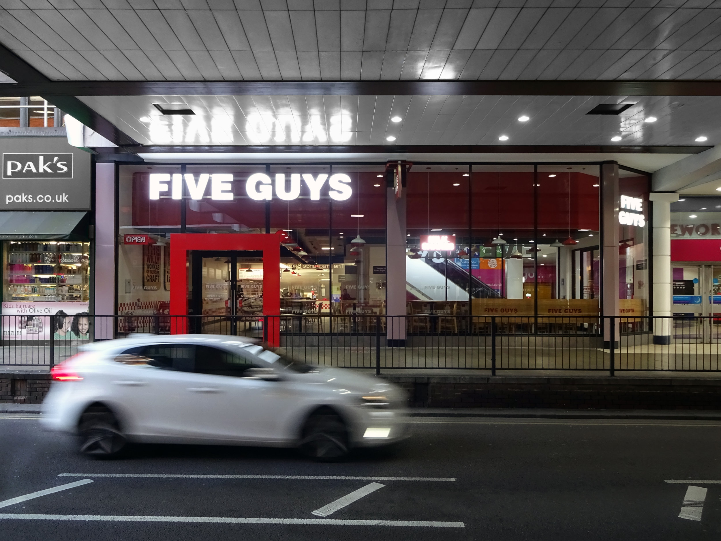 Helix Architecture_Five Guys_2017_04.jpg