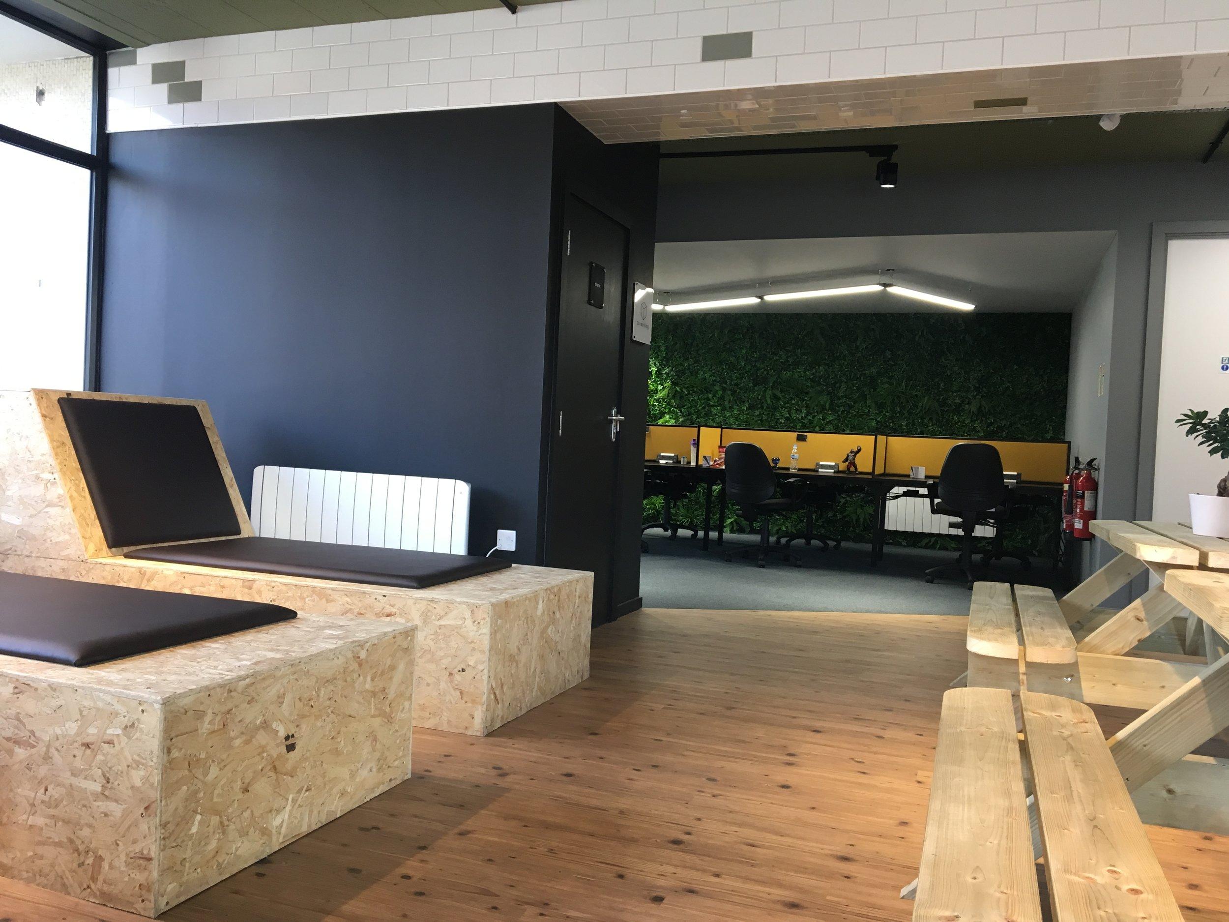 Hull Studio - Chill Spaces      þ