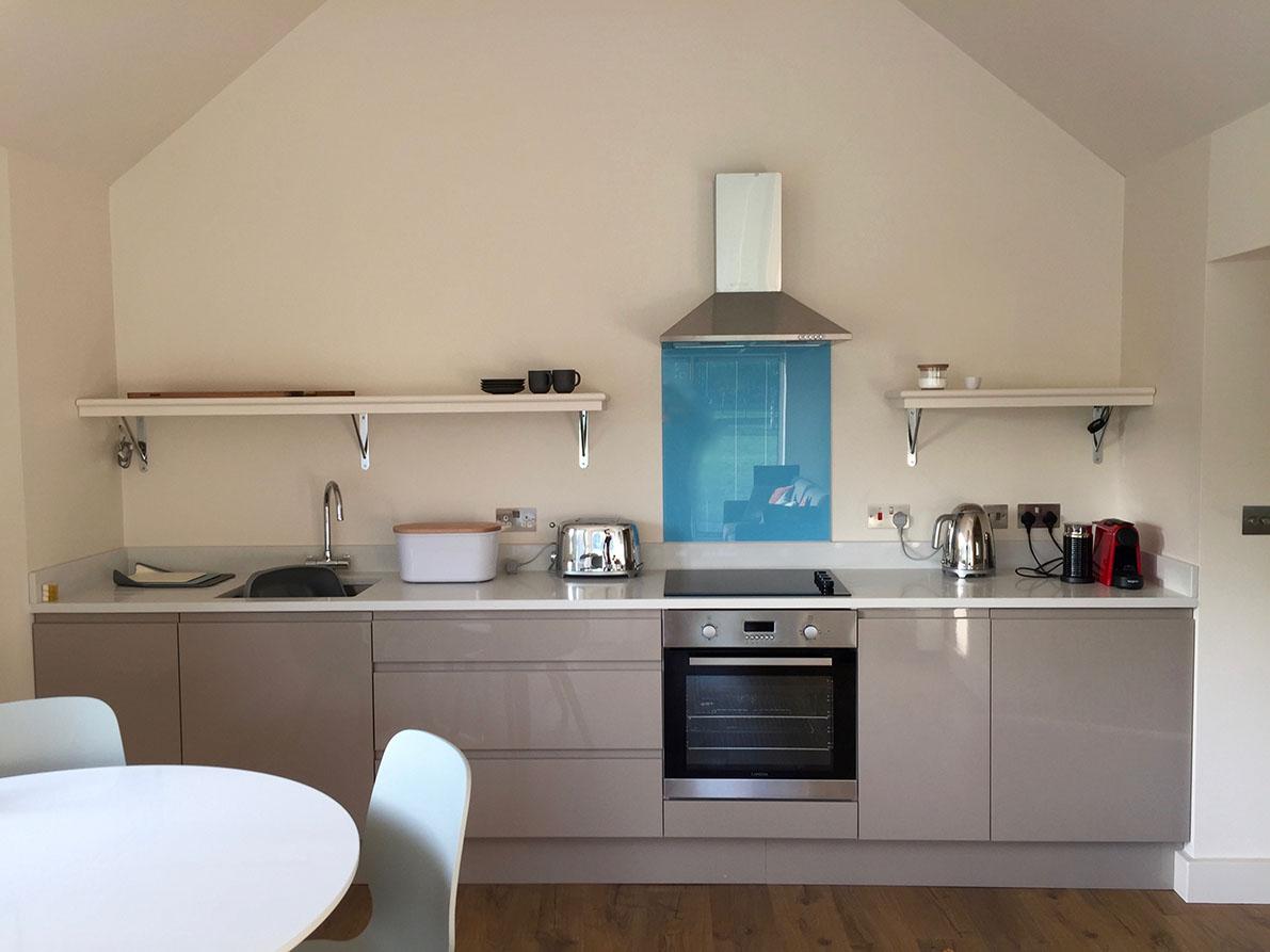 Cottage No 1 kitchen.jpg