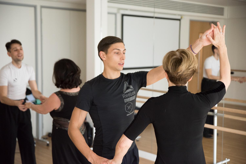 Latin-dance-group-class.jpg