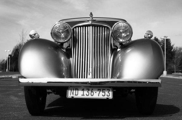 Vintage+Limousine+Car.jpg