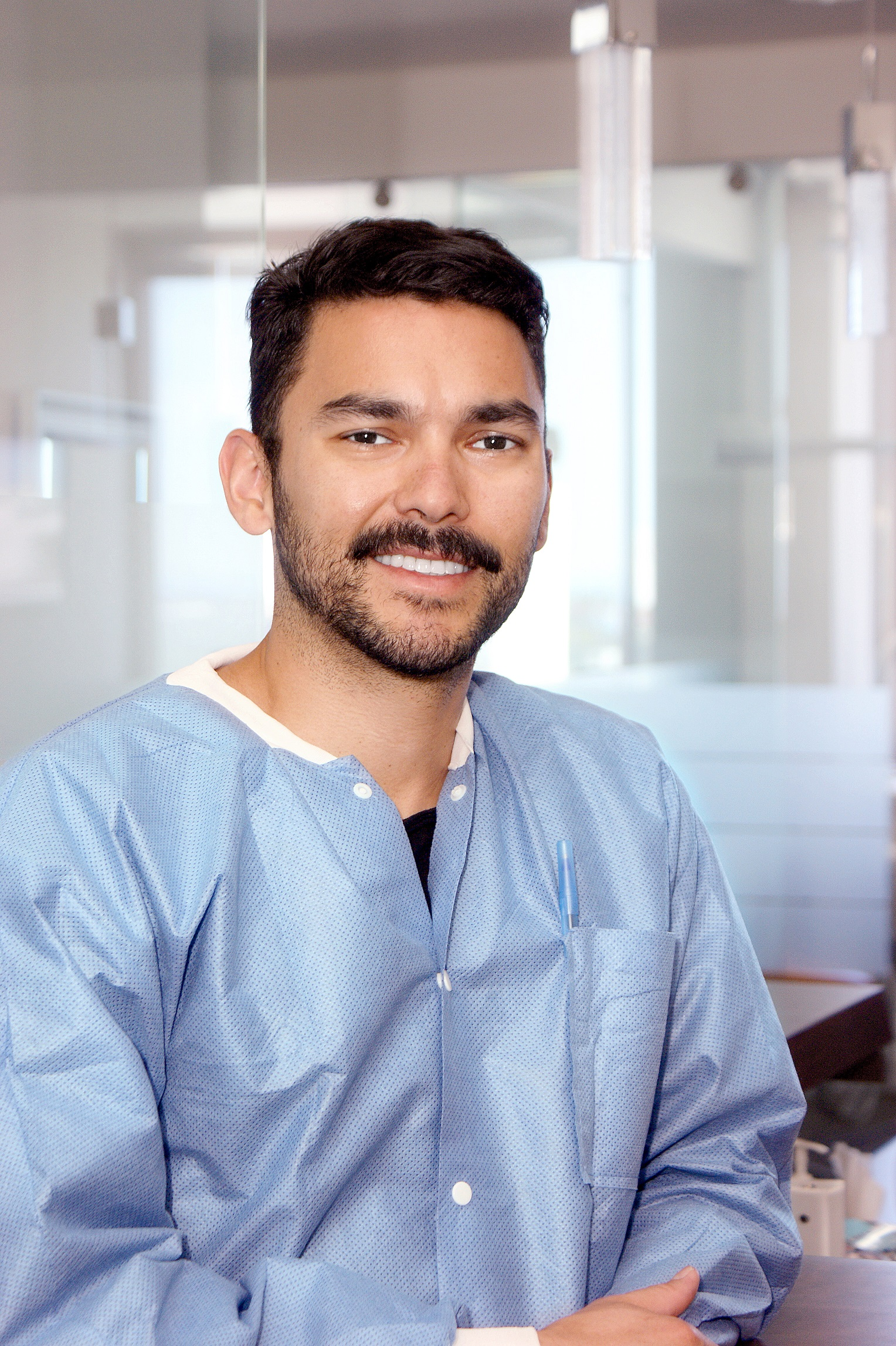 PABLO LORVAN - Dental Assistant