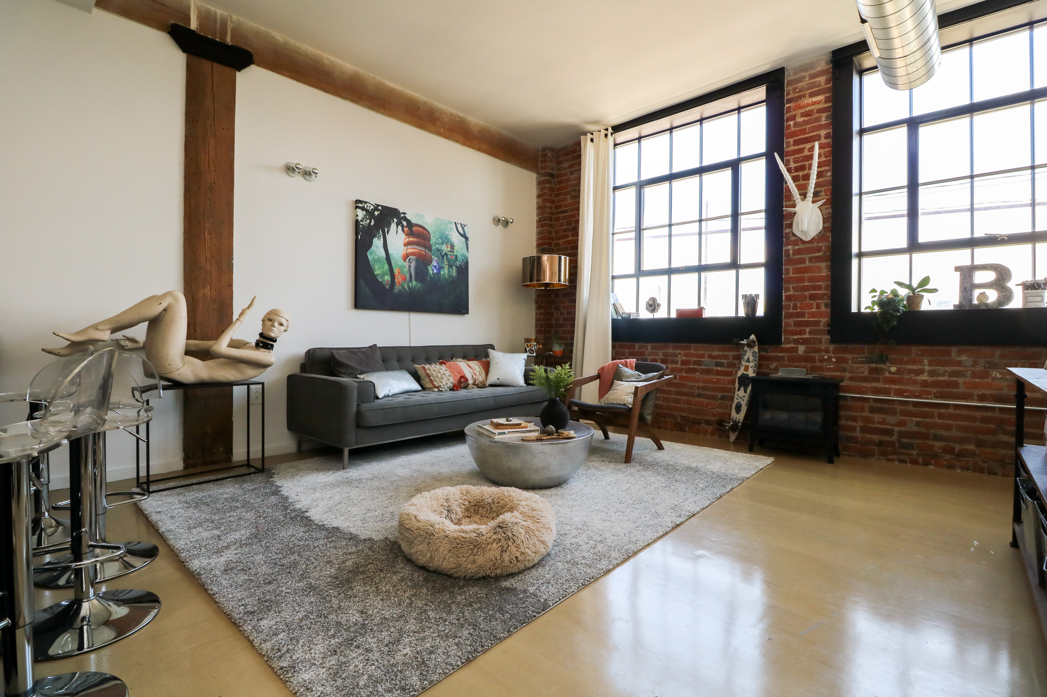 Living Area 3.jpg
