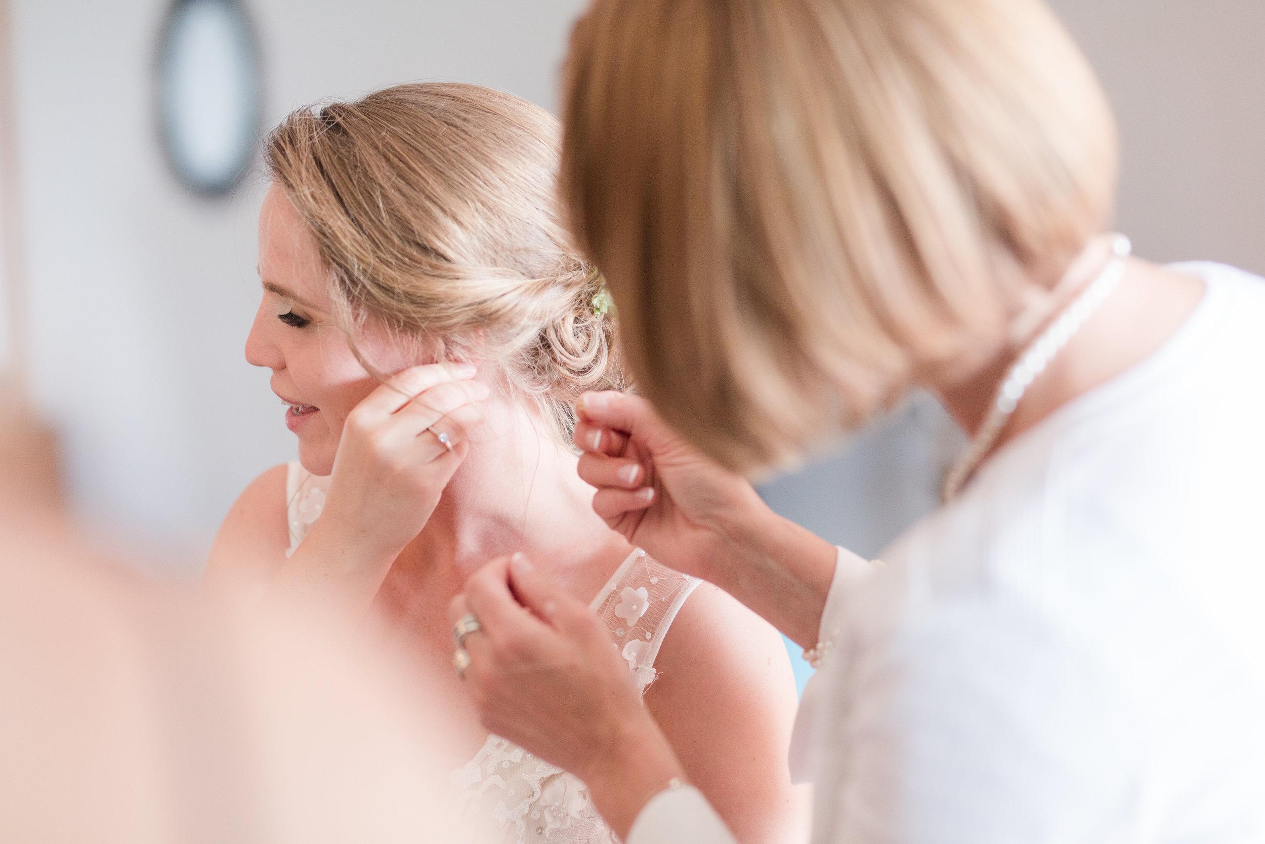 bridal prep time at snowshoe wv, earrings