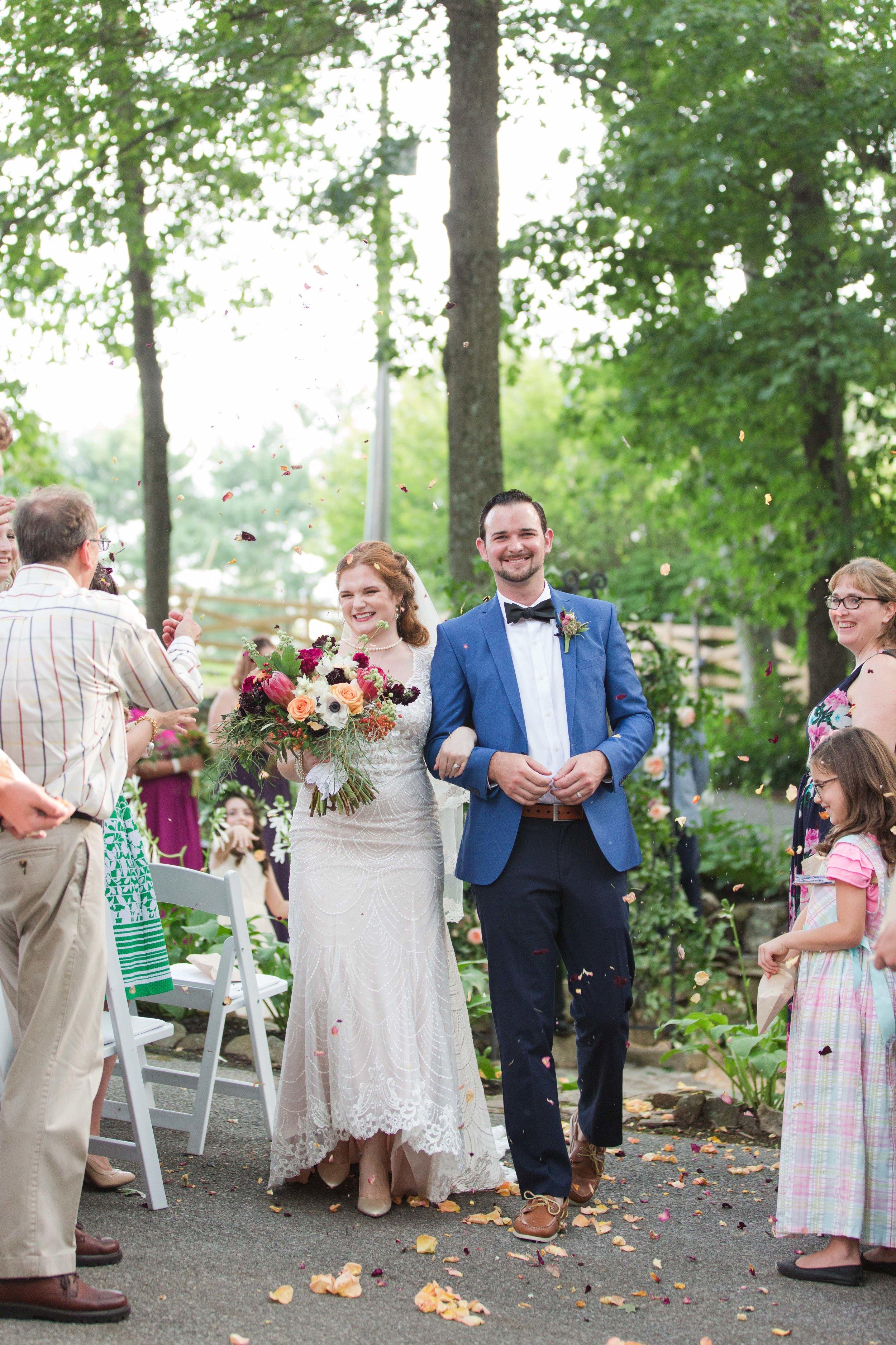 outdoor backyard ceremony wv photographer leesburg va hagerstown md warrenton va-38.jpg