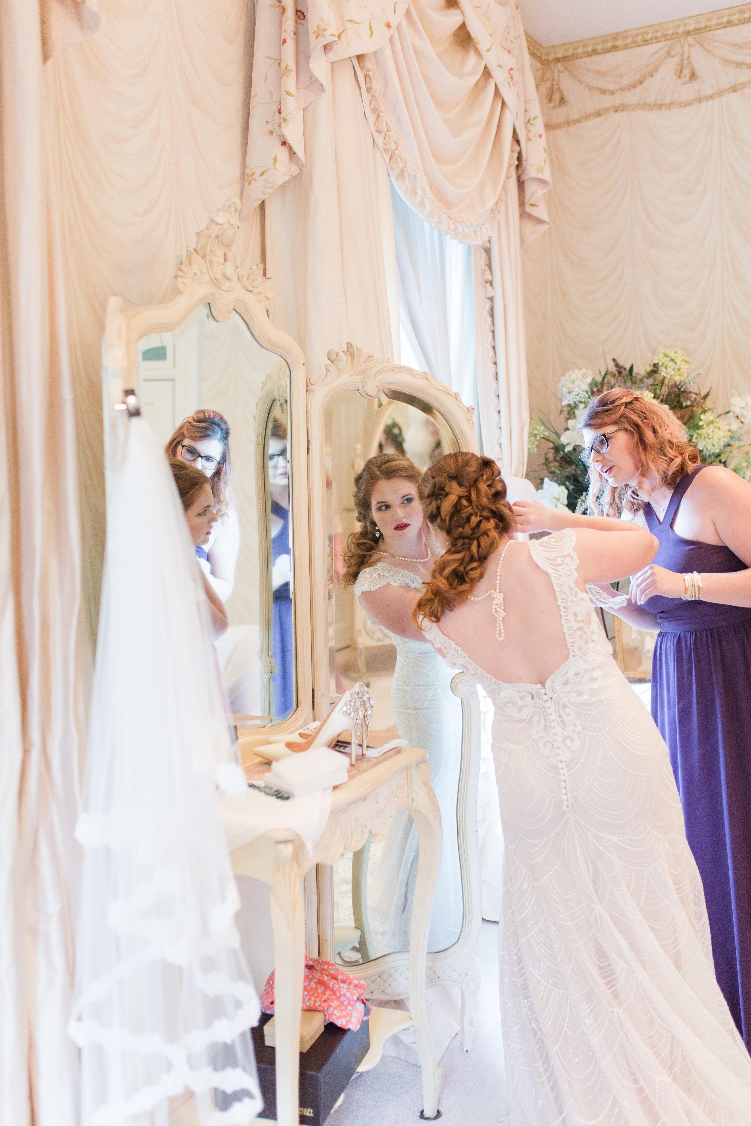 bridal prep- yates nolan-330.jpg