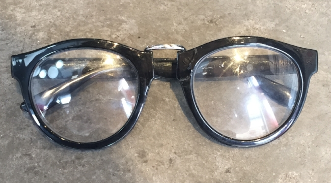 The original pair of frames that were brought in to replicate.