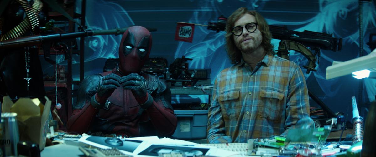 Deadpool 2 TJ Miller Weasel Eyeglasses.png