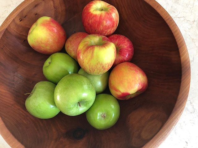 Notes from my Little kitchen.  Deep-Dish Apple Pie needs both sweet and tart.  I do love to bake and the food science of it all. #americastestkitchen.