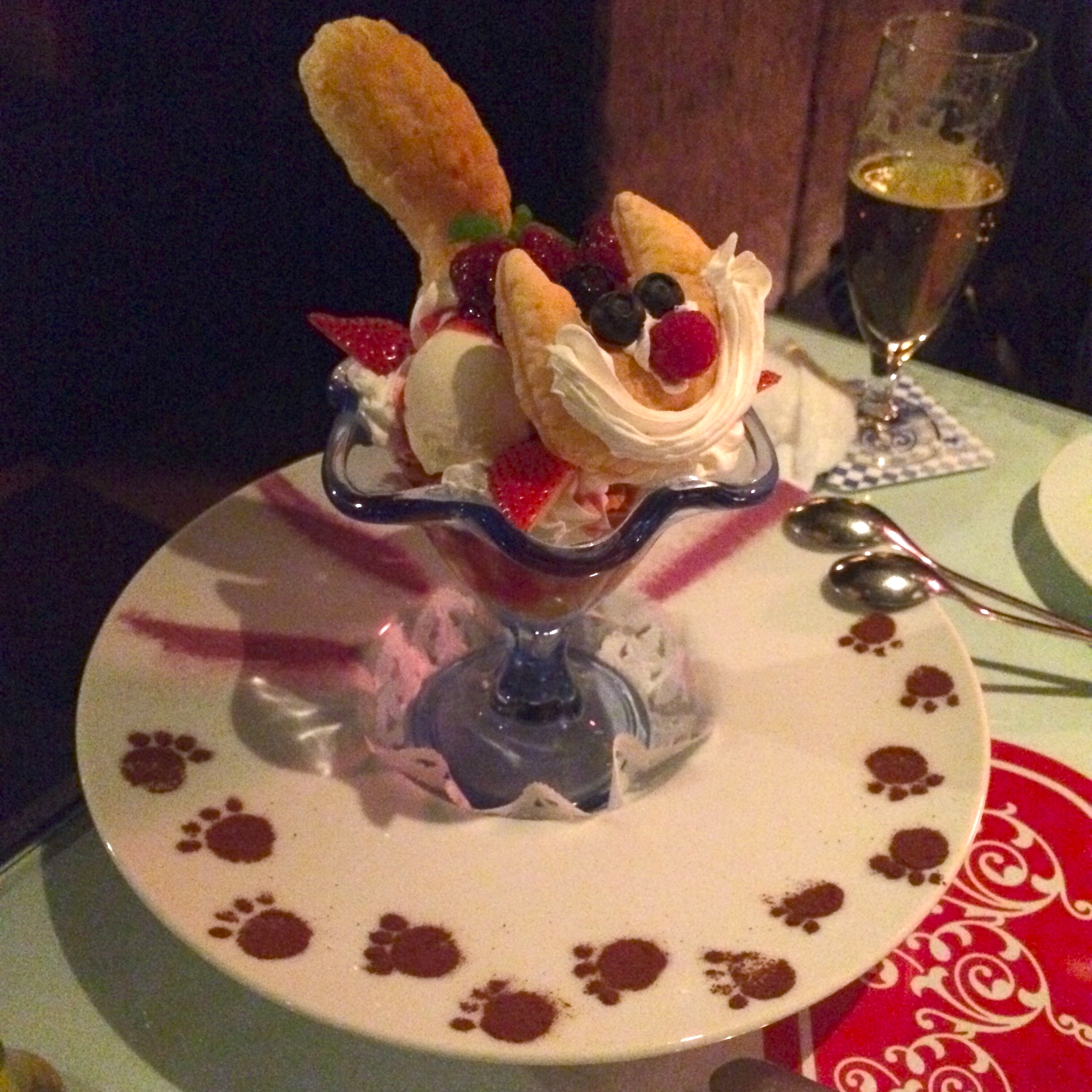 Alice in Wonderland Cafe in Ginza 2013
