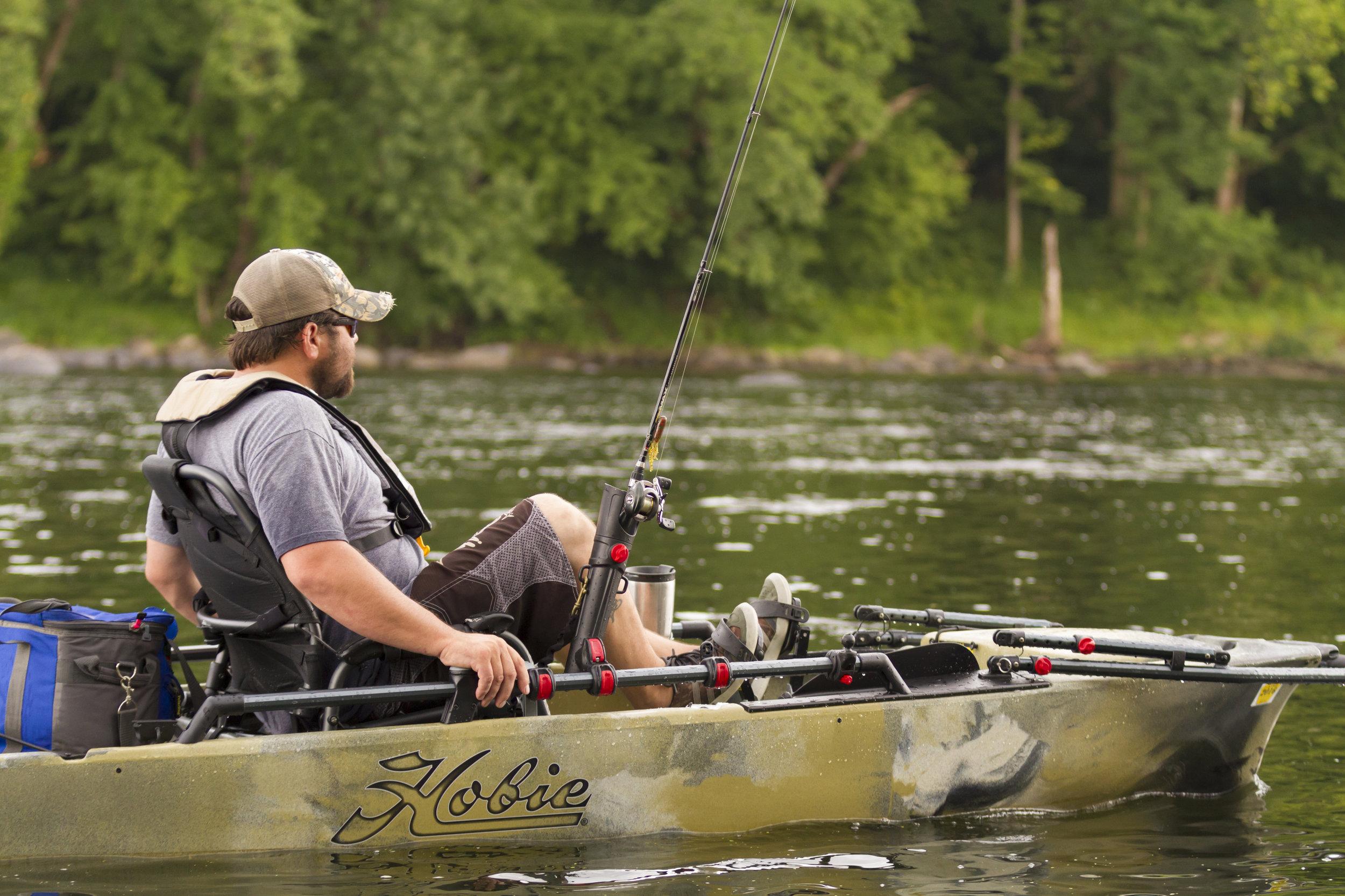 ProAngler12-action-fishing-camo-river-C1-cruise-5324-full.jpg
