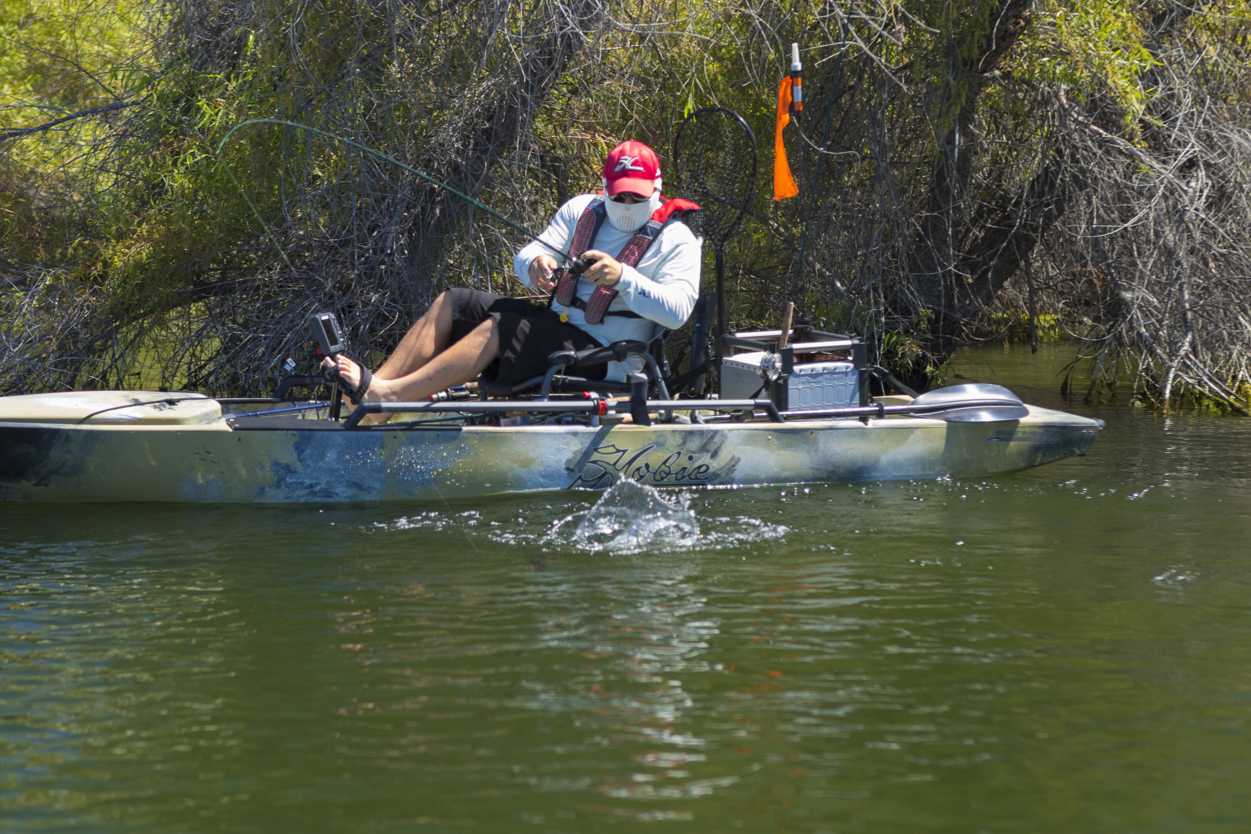 ProAngler14_fishing_camo_Shane_bass_splash_1395_full.jpg