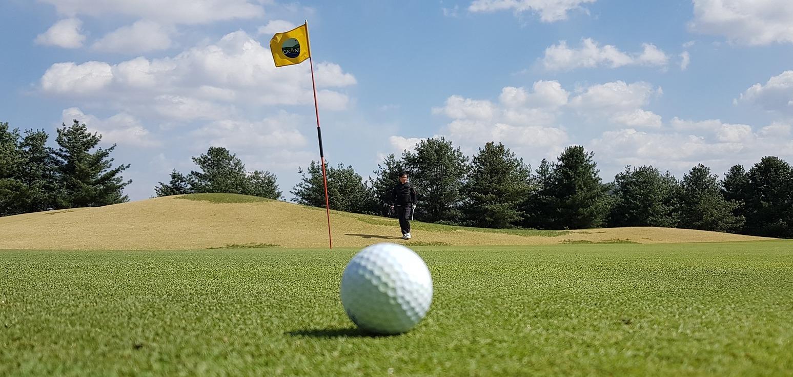 golf-3301940_1920.jpg