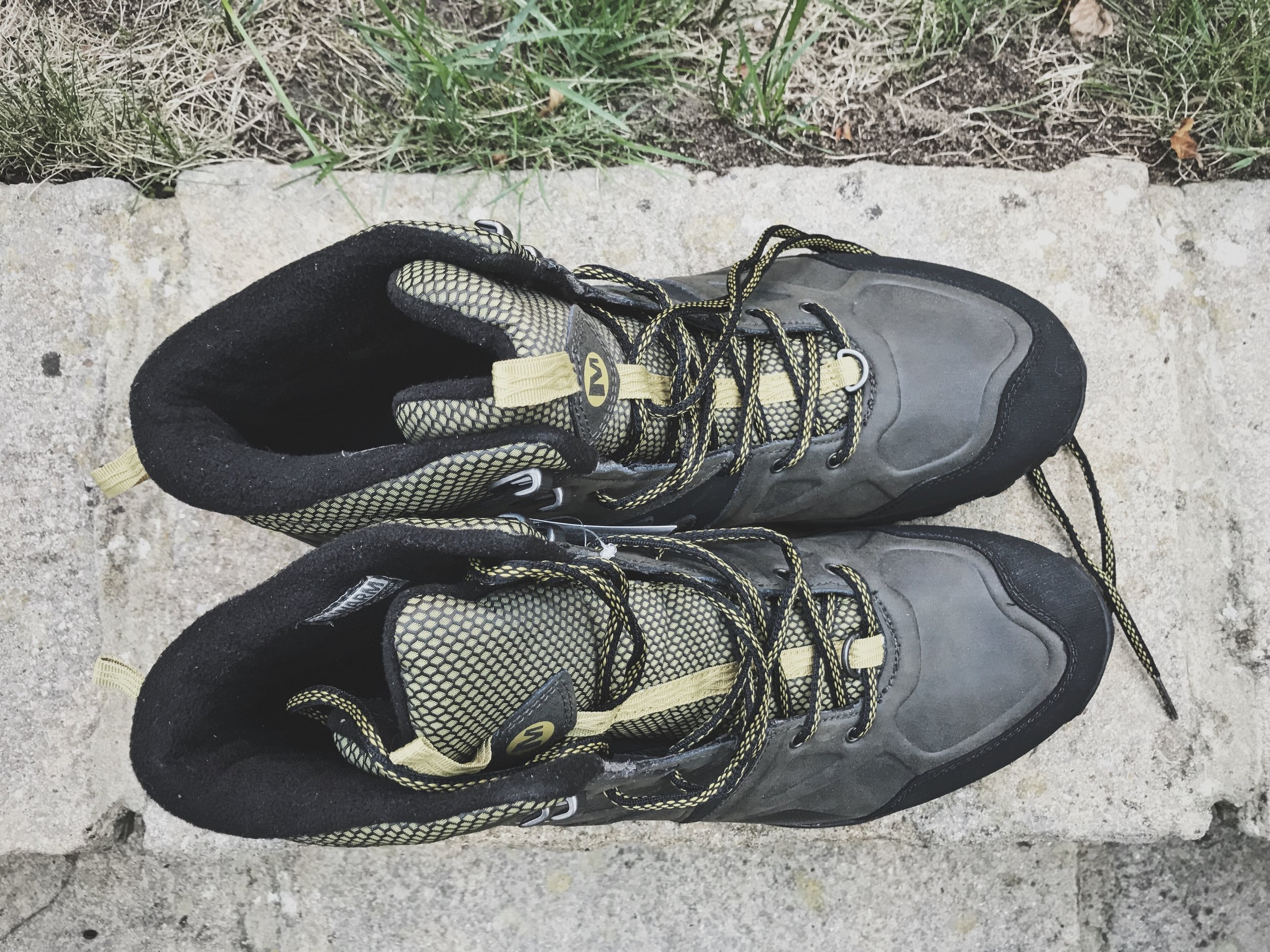 hiking boots2.JPG